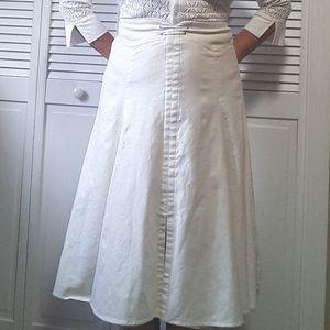 Nine & CO. White Linen skirt .